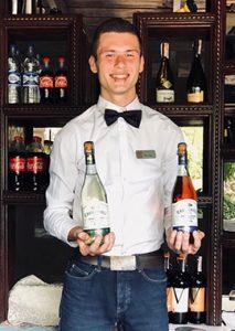 Віктор (бармен)